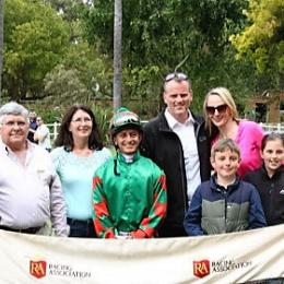 Glennie-wins-at-durbanville-hintlesham-racing